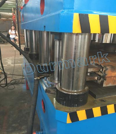 آلة الضغط الهيدروليكية DHP-2500T باب الصلب