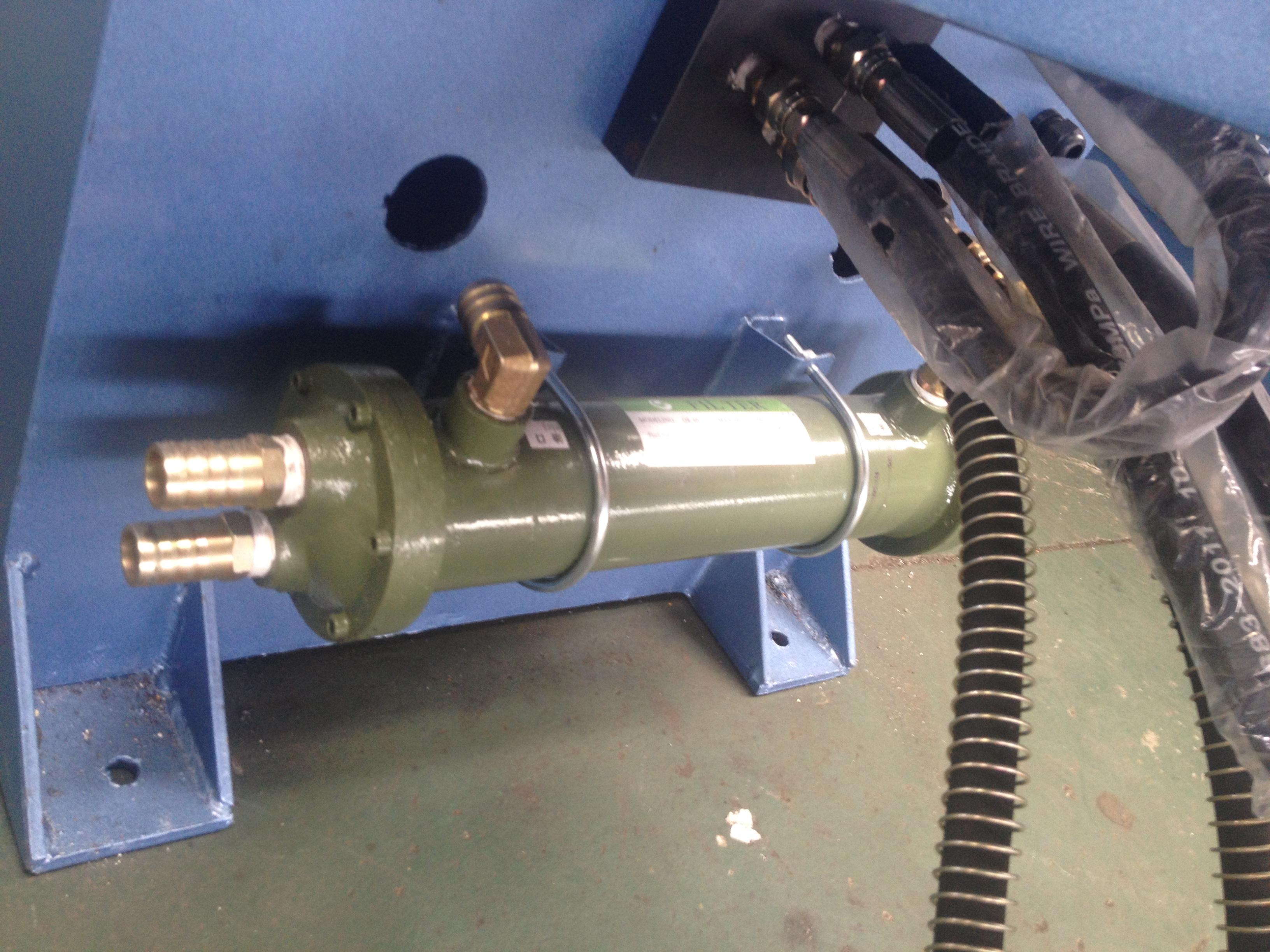 آلات ثني الأنابيب الفولاذية CNC