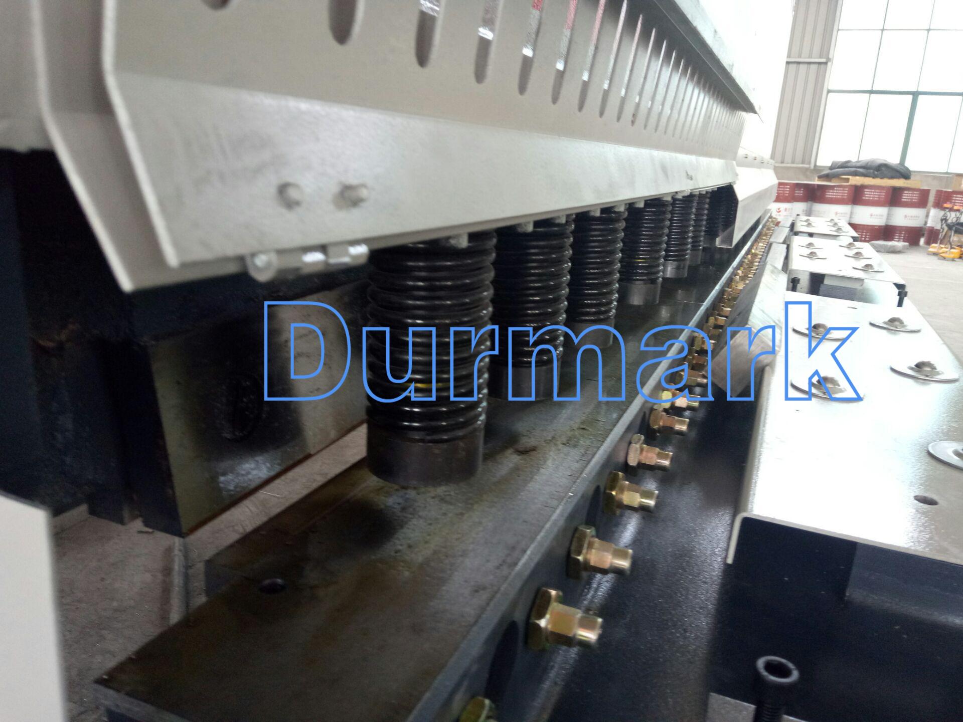 آلة قص ألواح الصلب QC12K-6 * 2500